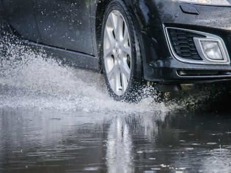 L'aquaplaning è imprevedibile, assolto dal reato di lesioni stradali