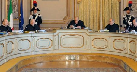 """La Corte Costituzionale e i termini per la richiesta della sospensione del procedimento per """"messa a"""