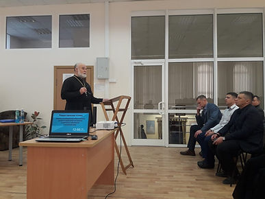 Священник Новопашин