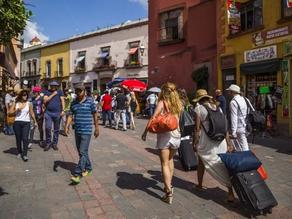 IP propone deducir viajes y consumo en restaurantes para impulsar el turismo