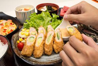 IMG_4671_Cereal Menchi Cheese Katsu & Eb