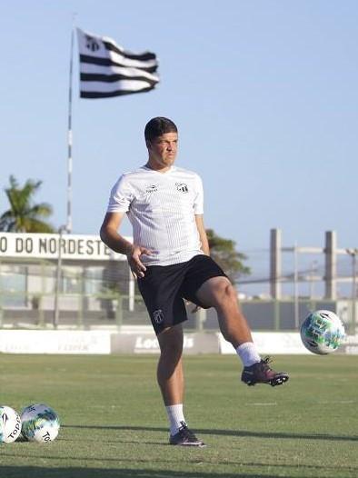 Everaldo G Santana - Treinador de Goleiros - ABTG Brasil