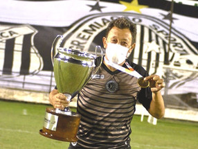 Treinador Lorival Santos