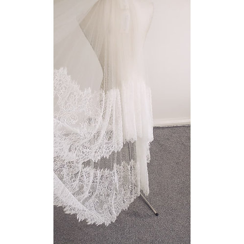SALE VEIL - Chantelle - Chantilly Lace Veil - IVORY