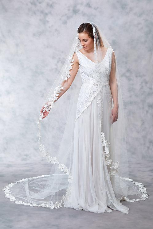 Elizabeth - Floral Lace Veil