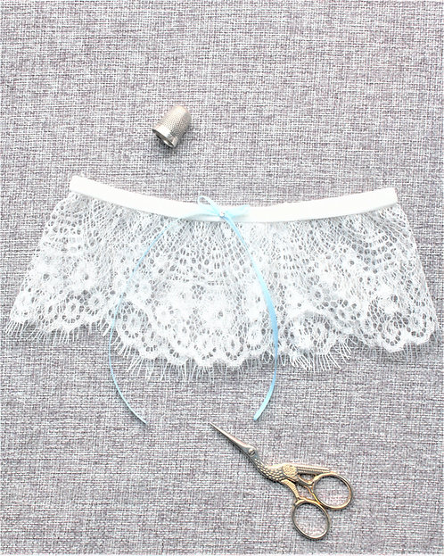 Clara - French Chantilly Lace Garter
