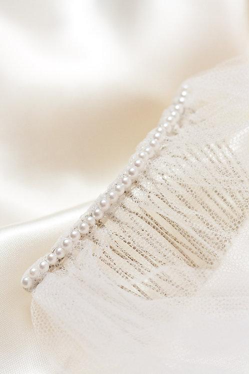 Single Line Small White Pearl Comb Decoration