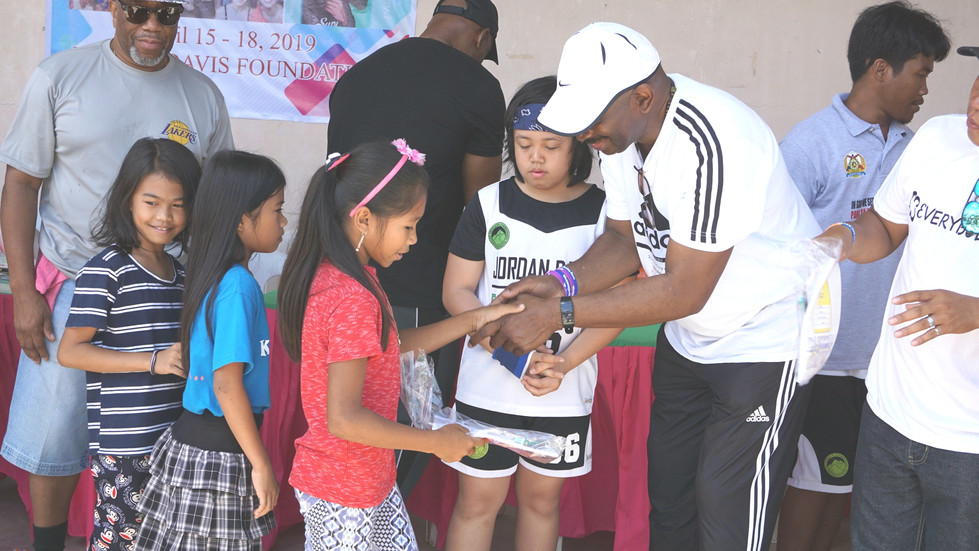 Giving back to disadvantaged Youth in Iloilo Philippines