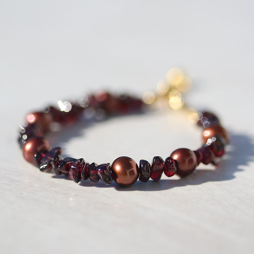 Bracelet with Red Garnet and pearls