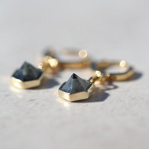"""""""Lisa"""" earrings in black Labradorite"""