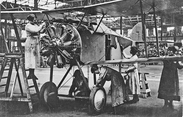 1918g Sopwith Salamander workers K1-3894