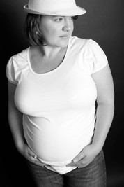 AKR_Photography_Portrait_Pregnancy_7.jpg
