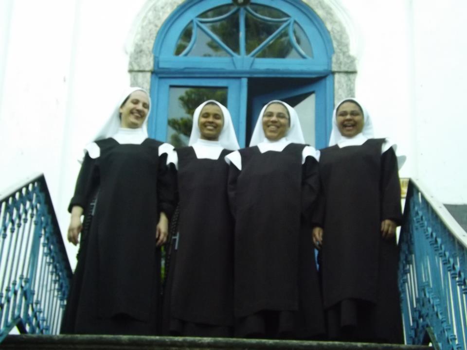 Irmãs na Casa Maternal