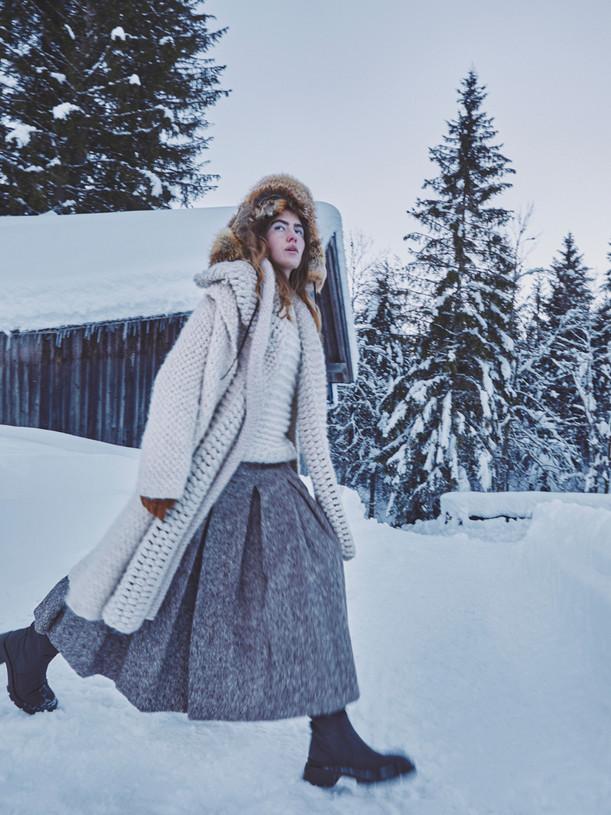 Woman-Snow-Olga-Rubio-Dalmau-16.jpg
