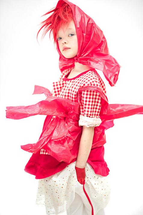 zoe-red6604.jpg