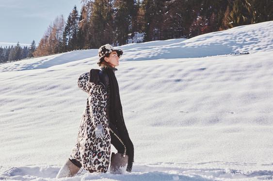 Woman-Snow-Olga-Rubio-Dalmau-3.jpg
