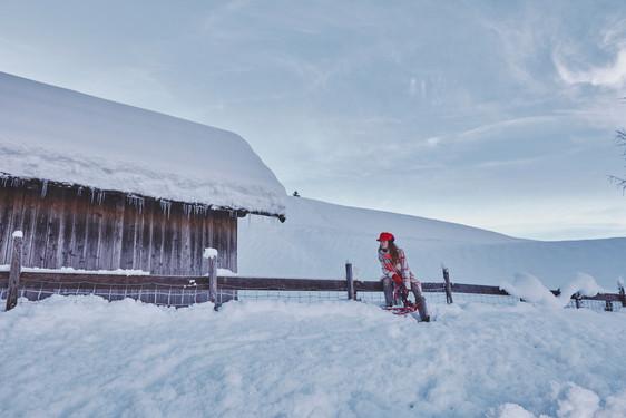 Woman-Snow-Olga-Rubio-Dalmau-10.jpg