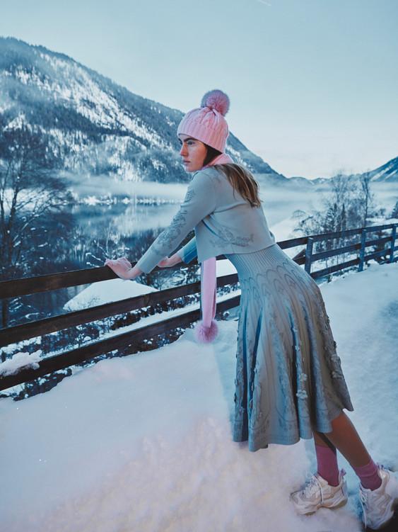 Woman-Snow-Olga-Rubio-Dalmau-20.jpg
