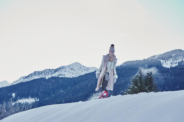 Woman-Snow-Olga-Rubio-Dalmau-1A.jpg