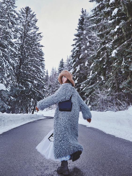 Woman-Snow-Olga-Rubio-Dalmau-8.jpg