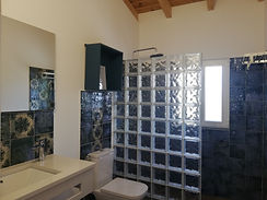 WC - Quarto Azul - Casa das Oliveiras.jp