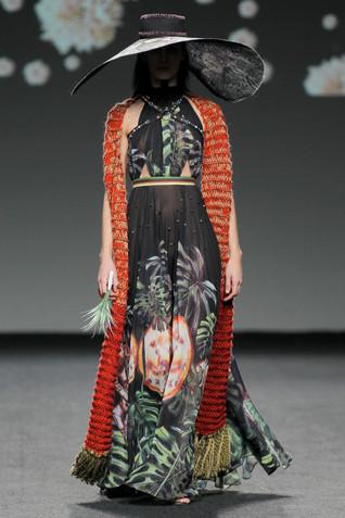 Amai Rodríguez astronaut black dress