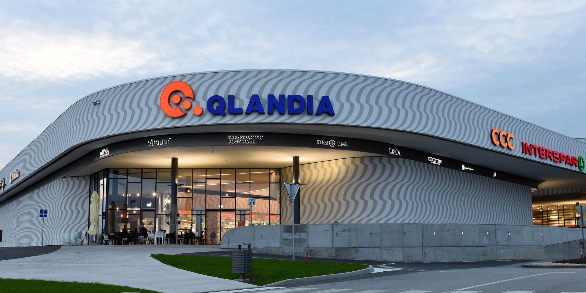 outside_new enter_QlandiaKranj (2).JPG
