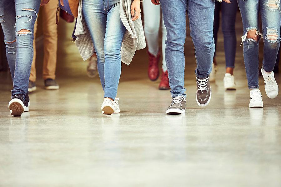 Beine in Jeans