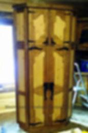 угловой шкаф, угловой шкаф из дерева, угловой шкаф из дерева купить, угловой шкаф из дерева цена, угловой шкаф под старину