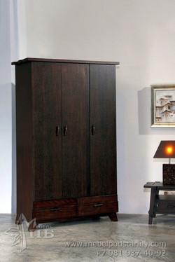 Шкаф в колониальном стиле