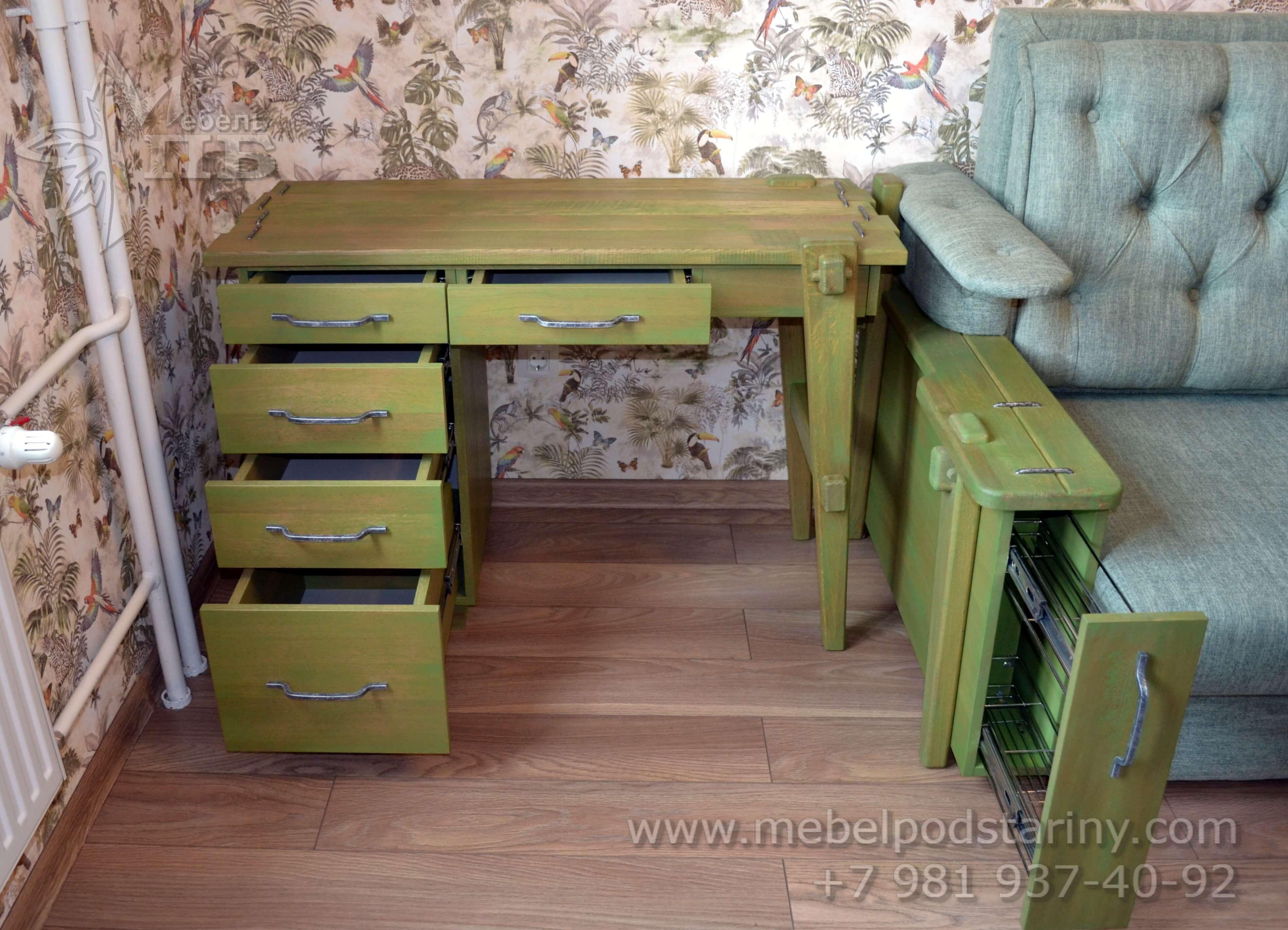Письменный стол в колониальном стиле
