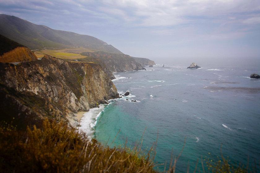 photo-of-cliff-1643580.jpg