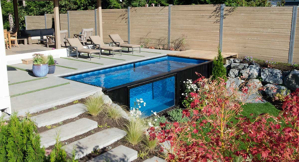 Storage container pool