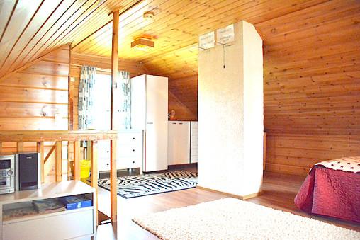 Lumo, makuuhuone .. bedroom, upstairs .. la chambre du premier étage