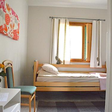 1 hengen huone / esteetön huone .. One person / invalid room .. Chambre une personne / accès handicapés