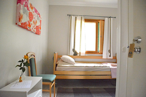 Yhden hengen huone .. Room for one .. Chambre une personne