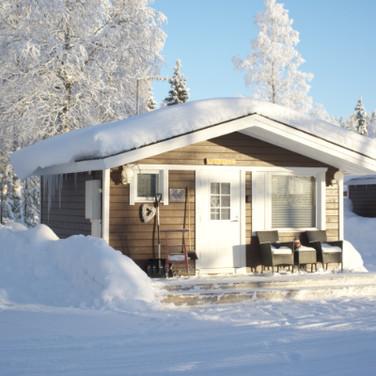 PUOLUKKA, 2 hengen saunallinen mökki .. 2 person cottage with sauna .. chalet double avec sauna