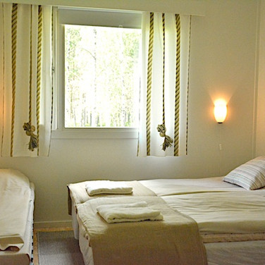 Chambre deux personnes avec lit supplémentaire
