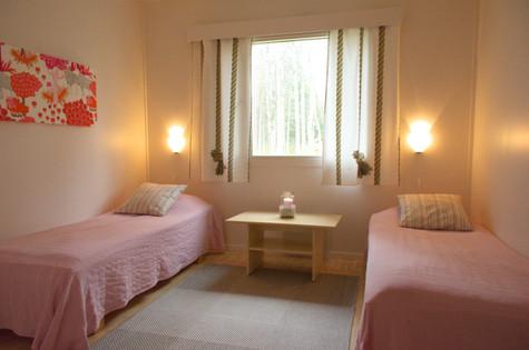 Kahden hengen huone .. Room for two .. Chambre deux personnes