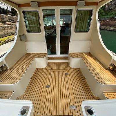 Custom cockpit seating