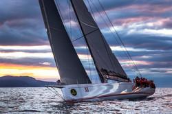 Wild-Oats-XI-sailing-at-sea