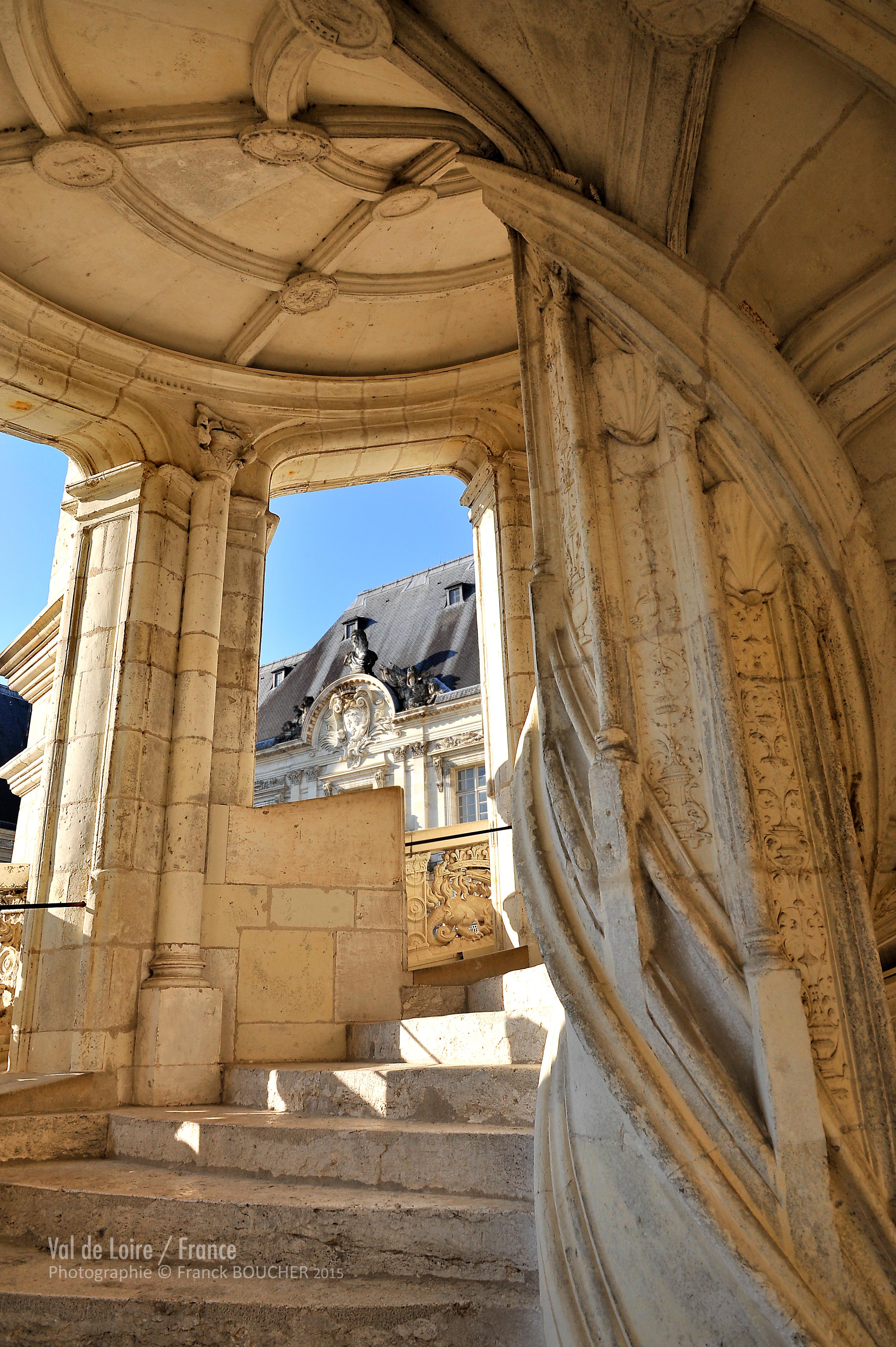 ref-F-boucher-2011-escalier-blois-montage-1