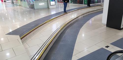 Paneles Podotáctiles Mall Zofri