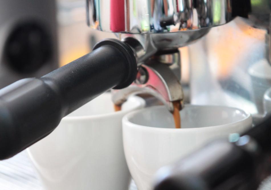 Café, Kuchen & Frühstück