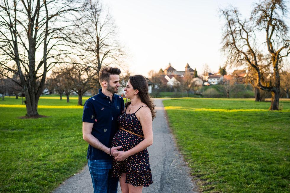Schwangerschaftsshooting Winterthur Kyburg Fotoshooting