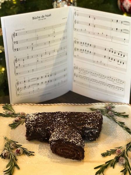 Jennifer Linn Bûche de Nöel Music and Cake