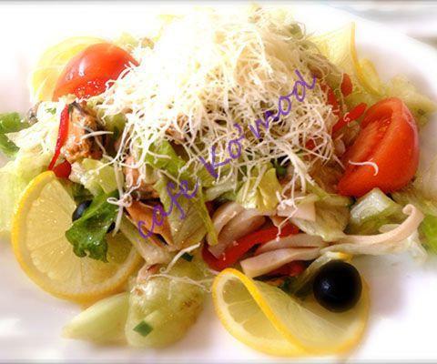 """Салат с  морепродуктами""""Низарда"""""""