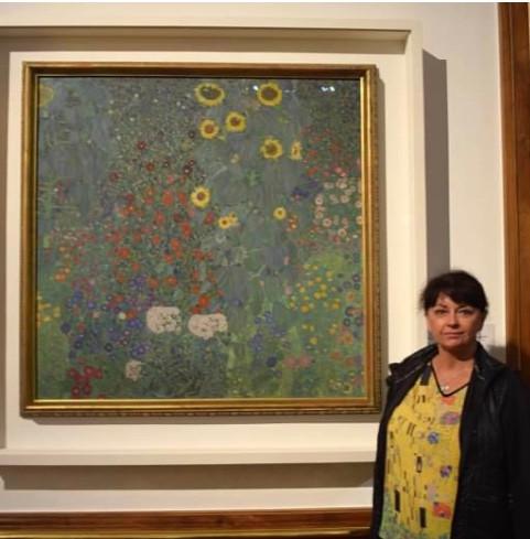 learning about Klimt in Vienna (Wearing my Klimt Shirt)