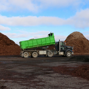 Tri Axle Dump Truck
