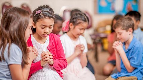 Prayer-Activities-for-Kids-504328300-585419773df78ce2c3b05c3c.jpg